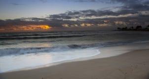 Soluppgång nära Tobago kolonigolfbana Royaltyfri Foto
