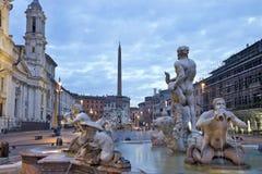 Soluppgång och sikt av piazza Navona i Rome, Italien Royaltyfri Bild