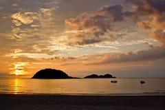 Soluppgång på ön av Redang Arkivfoto