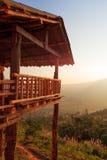 Soluppgång på berget. i den Phu Langka nationalparken Phayao landskap, Thailand. Royaltyfria Foton
