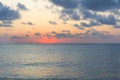 Soluppgång på Blacket Sea arkivfoto