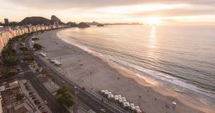 Soluppgång på den Copacabana stranden stock video