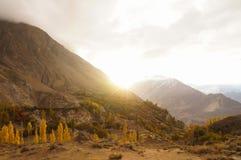 Soluppgång på den Hunza dalen, nordliga Pakistan Royaltyfri Bild
