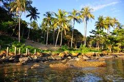 Soluppgång på den KohKood ön Arkivbild