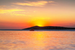 Soluppgång på den Mirabello fjärden på Crete Royaltyfri Fotografi