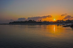 Soluppgång på den Nusa Penida stranden Bali Royaltyfri Bild