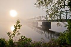 Soluppgång på den nya hoppbron Fotografering för Bildbyråer