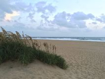 Soluppgång på den Sandbridge stranden Virginia Royaltyfri Foto