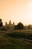 Soluppgång på det Angkor Wat tempelet, cambodia arkivfoto