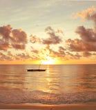 Soluppgång på det indiska hav Arkivbild