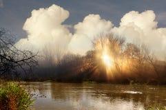 Soluppgång på floden Royaltyfri Bild