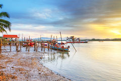 Soluppgång på floden i Koh Kho Khao Arkivfoto