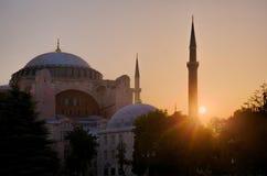 Soluppgång på Haghia Sophia i det Fatih området av Istanbul Arkivfoto