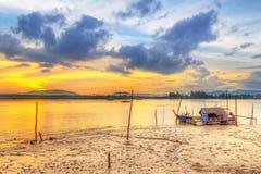 Soluppgång på hamnen av den KohKho Khao ön Fotografering för Bildbyråer