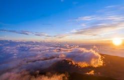 Soluppgång på maximumet av vulkan Teide tenerife Royaltyfria Bilder