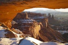 Soluppgång på Mesa-bågen, Canyonlands, Utah Royaltyfri Fotografi