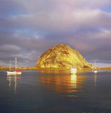 Soluppgång på Morro vaggar - Kalifornien Royaltyfri Foto