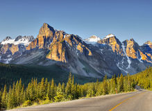 Soluppgång på Rocky Mountains, Banff Np, Alberta, Kanada Arkivbild