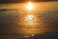 Soluppgång på Salt Lake - Turkiet Royaltyfria Bilder