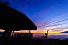 Soluppgång på sjösidan Royaltyfri Foto