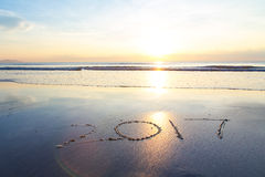 soluppgång 2017 på stranden royaltyfri foto