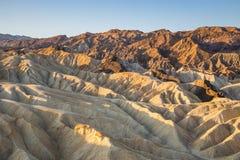 Soluppgång på Zabriskie punkt i den Death Valley nationalparken, Kalifornien, USA Fotografering för Bildbyråer