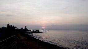 Soluppgång solnedgång, uddecomorin, Kanyakumari, Tamilnadu Royaltyfri Foto