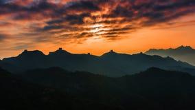 Soluppgång som jinshanling den stora väggen Arkivbild
