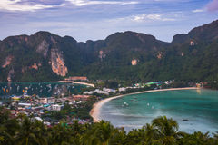 soluppgång thai thailand för phi för fartygöliggande magisk Royaltyfri Bild