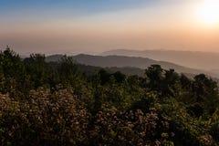 soluppgång thailand för landskap för nationalpark för nao för loeibergnam Royaltyfri Fotografi