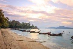 Soluppgång vid stranden Royaltyfri Bild