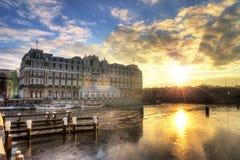SoluppgångAmstel hotell fotografering för bildbyråer