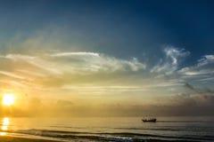 soluppgångar Arkivfoto