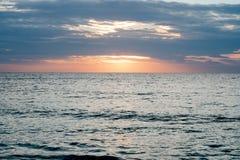 Soluppgången gör känsel avkopplad arkivfoto