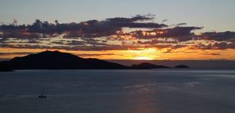 Soluppgångplats för guld- glöd Arkivbild