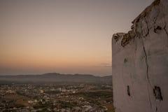 Soluppgångsikt från till av den Savitri templet Arkivbilder