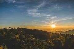 Soluppgångsikt på Doi Inthanon Royaltyfria Bilder