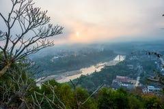Soluppgångsynvinkel på Luang Prabang, Laos Fotografering för Bildbyråer