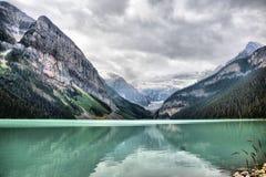 Soluppg?ng p? Lake Louise arkivbilder