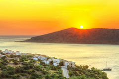 Soluppgång på den Mirabello fjärden på Crete Arkivbilder
