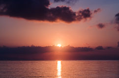 Soluppgång över det Andaman havet Royaltyfria Bilder