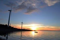 Soluppsättning på fjorden Royaltyfri Bild