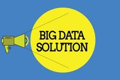 Solution de données des textes d'écriture de Word grande Concept d'affaires pour extraire la valeur à partir des volumes énormes  illustration libre de droits
