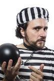 Solution, un criminel caucasien de prisonnier d'homme avec la boule à chaînes Image stock