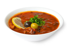 Solyanka med kött, olivcitron Royaltyfri Bild