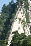 Som draken på de kinesiska Huashan bergen Arkivbilder