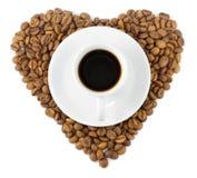 som hjärta för kopp för svart kaffe för bönor Royaltyfri Fotografi
