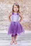 som liten princess för klädd flicka royaltyfri bild