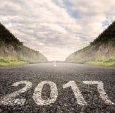 2017 som målas på asfalt Fotografering för Bildbyråer