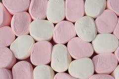 som marshmallows för jätte för bakgrundsbrädeschack Arkivfoton